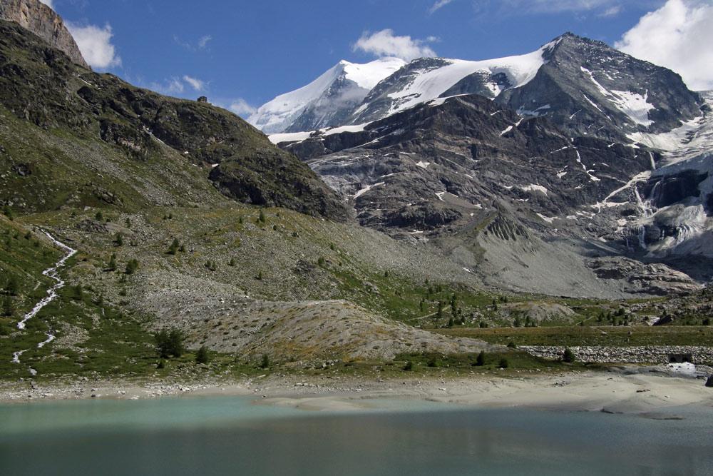 Photo of the Turtmannsee on the Barrhorn hike from Gruben, Wallis/Valais, Switzerland