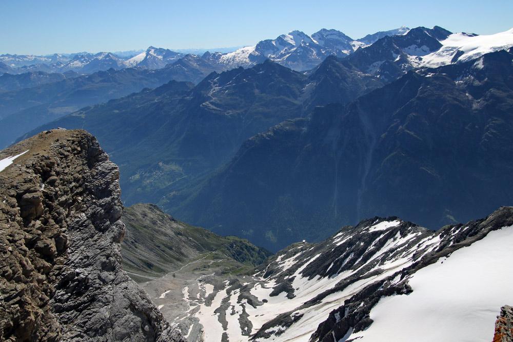 Photo of the Mattertal from the summit of Üssers Barrhorn, Valais/Wallis, Switzerland