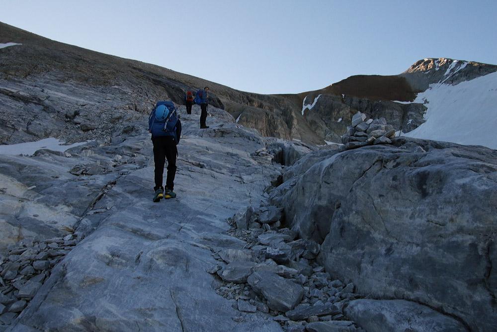 Photo of the Barrhorn hikr trail on the Turtmanntal side in Valais/Wallis, Switzerland