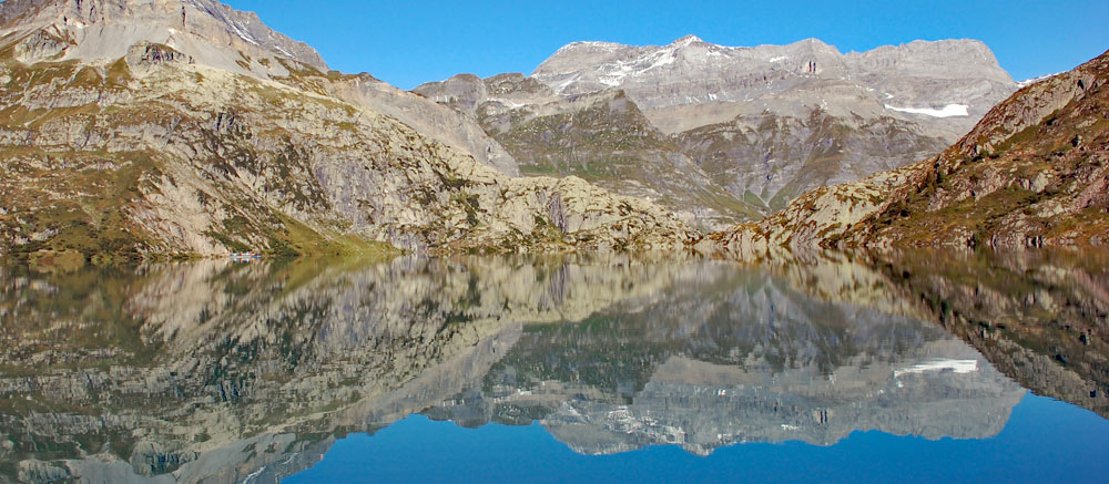Photo of the Lac d'Emosson in Valais, Switzerland
