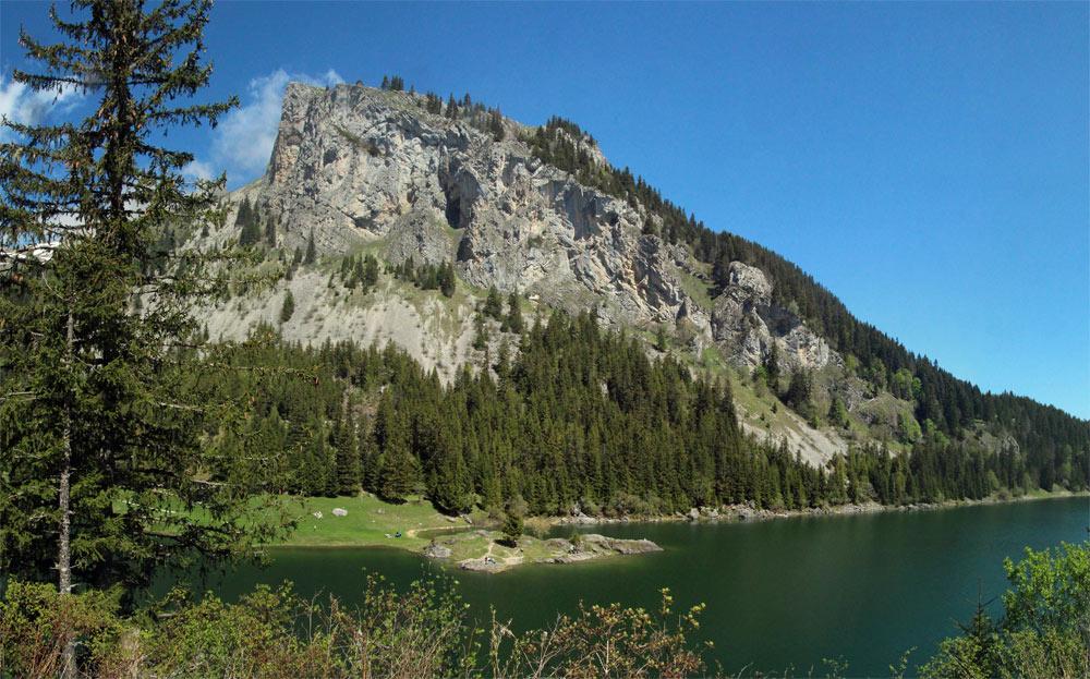 Photo of Lac de Tanay, Vallais/Wallis   Hiking in Switzerland