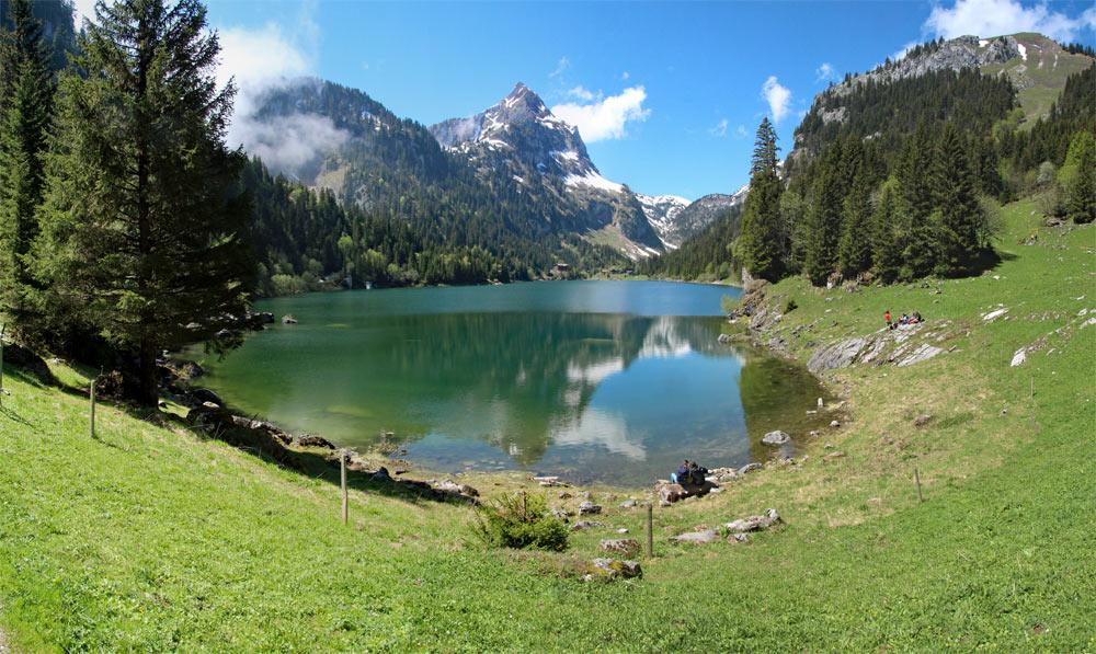 Photo of Lac de Taney, Vallais/Wallis   Hiking in Switzerland, Lake Geneva Region