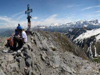 Photo of hikers on the Gummfluh summit | Hiking in Switzerland