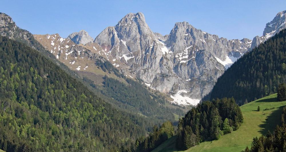 Photo of the Gummfluh mountain in Vaud, Switzerland