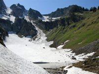 Gour de Comborsin lake, Gummfluh | Hiking in Switzerland